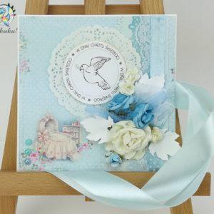 Kartka z okazji chrztu dla chłopca niebieska gołąbek wózek