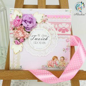 Kartka urodzinowa dla dziewczynki dzieci i kwiaty